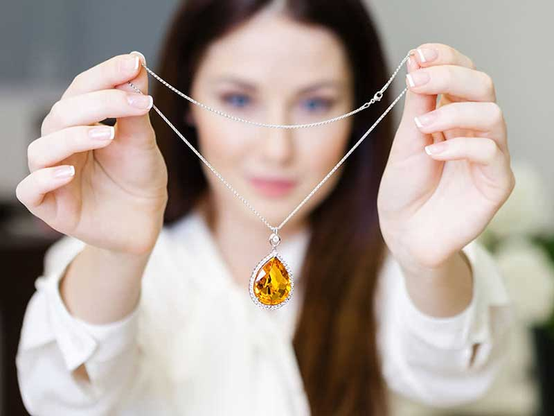 هنگام خرید طلا و جواهر به چه نکاتی باید توجه کنیم؟
